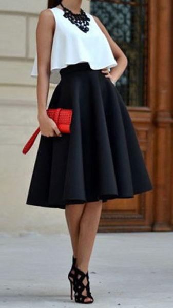 jupe noire sac rouge
